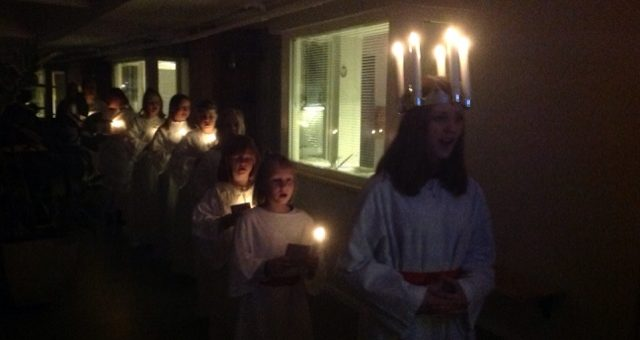 Luciaoptog og korsang