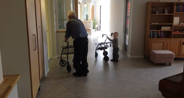 Besøg af glade dagplejebørn og deres dagplejer